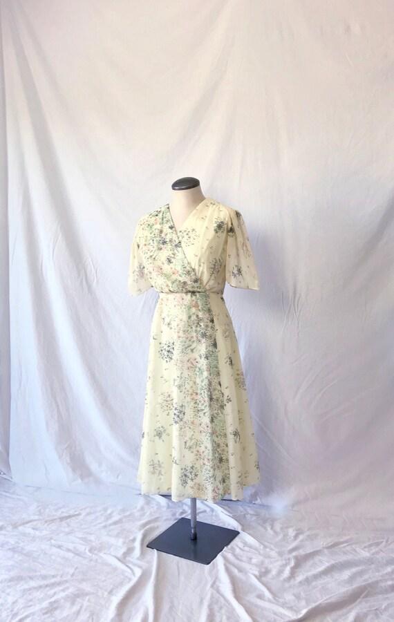 Vtg 70s PAINTERLY FLORAL Faux WRAP Dress w Puff Sl