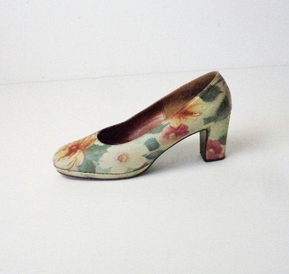Vtg 50s PLATFORM FLORAL LEATHER Heels! Size 8