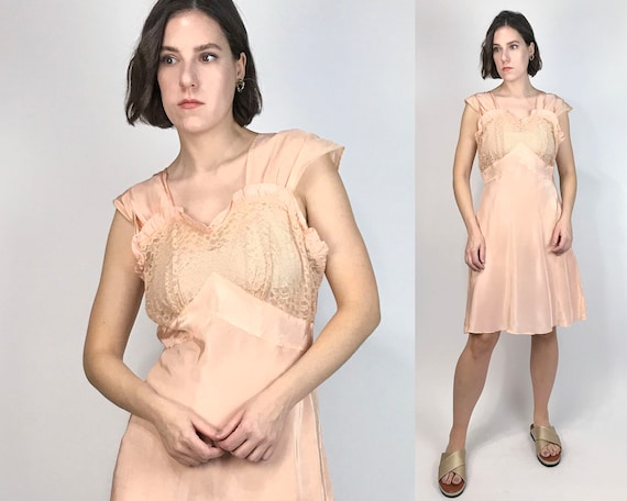 Vtg 40s PEACH Slip Dress w FRILLS & LACE! Medium,