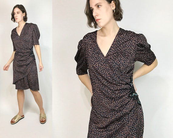 Vtg 80s ABSTRACT Print WRAP Dress w PUFF Sleeves!