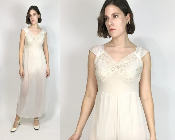 Vtg 70s Does 30s DREAMY Negligee! Small to Medium