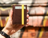 Slim leather wallet - Personalized gifts - Small and compact brown wallet