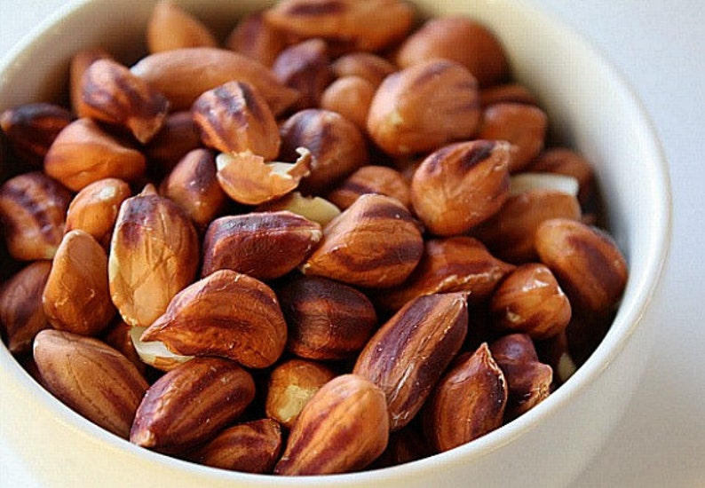 Wild Jungle Peanuts, 15 seeds, organic heirloom, from the Amazon, buttery flavor, non GMO, chemical free, healthy raw food, fun to grow photo