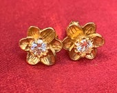 Gold & moissanite daffodil earrings