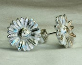 Daisy earrings, flower ea...