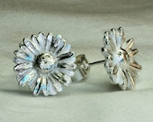 Daisy earrings, flower earrings, silver earrings