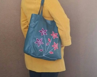 Green Leather Tote Bag, Everyday Shoulder Handbag, Boho Chic Purse with Flowers, Handmade Purses and Bags, Women Tote Bags, Yury