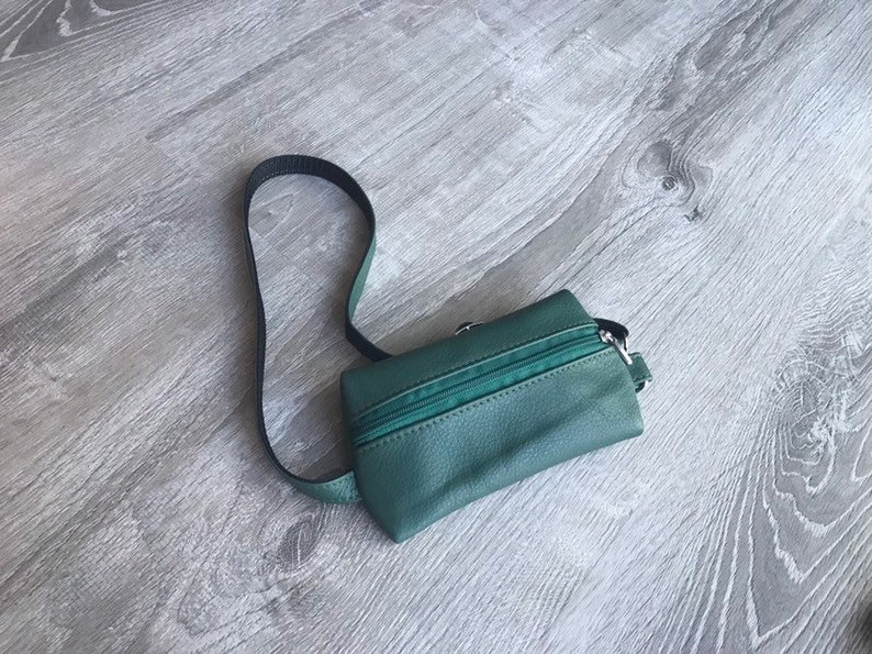 Crossbody Bags Fanny Waist Bag Classic and Stylish Hip Bag for Men Small Leather Fanny Pack Pouch Ron