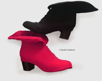bf99ae95bbe3c2 Harley Quinn Animated Series-style bootlets. Shoe covers