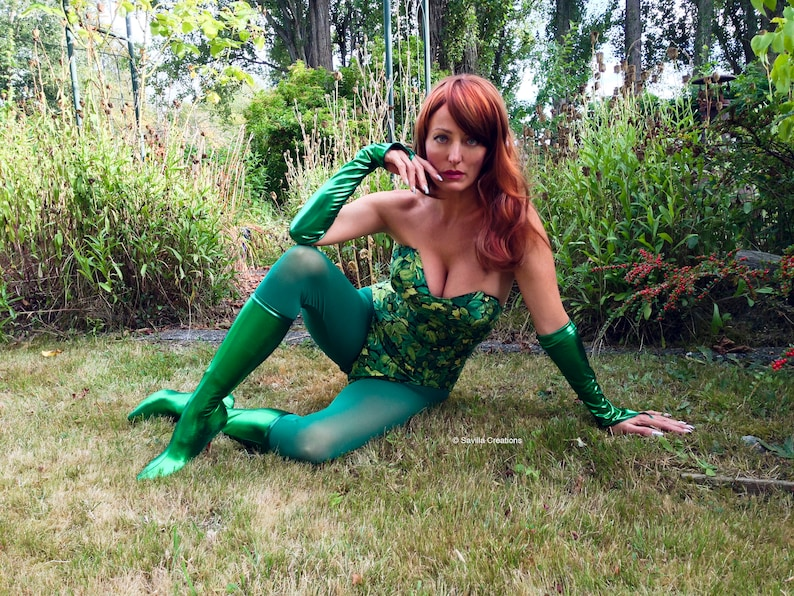 Handmade original boots and matching gloves Poison Ivy accessories