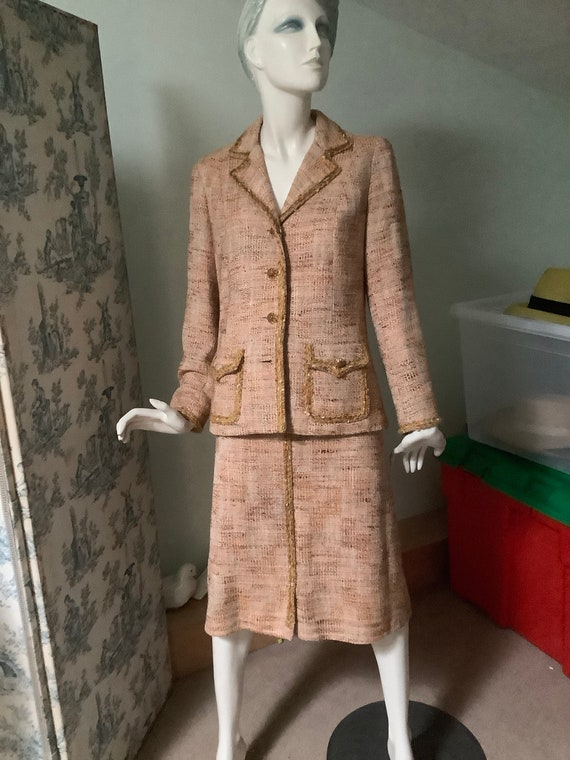 Chanel Style 1960. French Tweed Suit. Vintage Tail