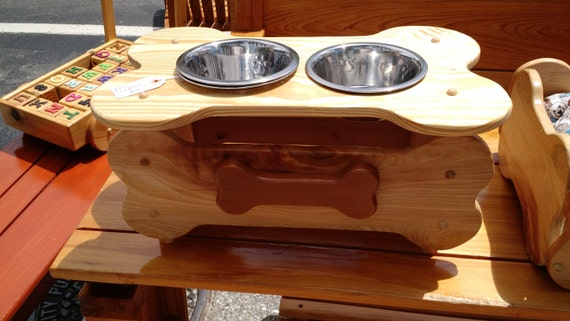 Faithful Friend Dog Feeder Medium