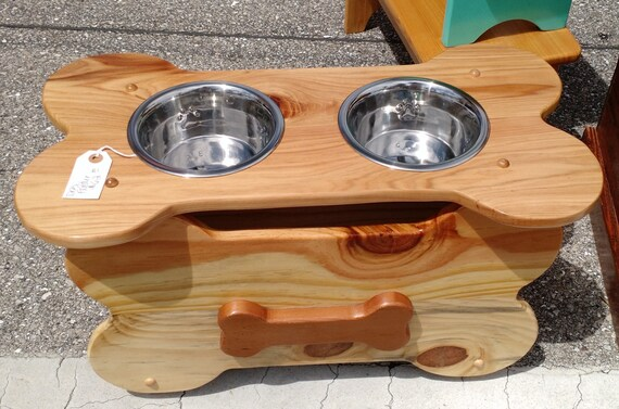 Faithful Friend Dog Feeder Large