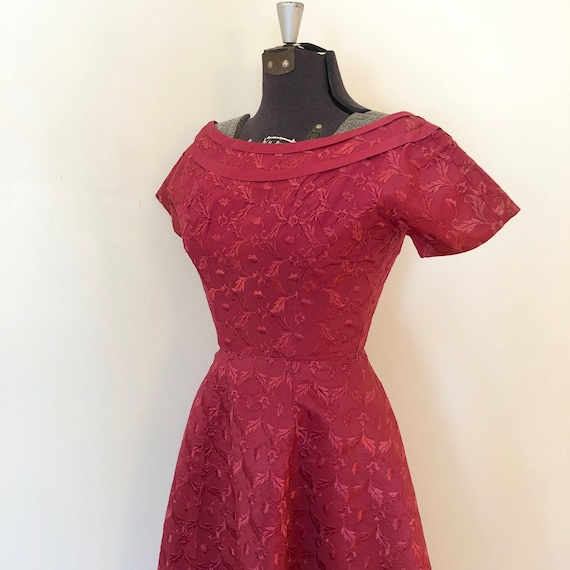 Vintage Pink Brocade Dress / Sm/Med / Boatneck Dr… - image 3