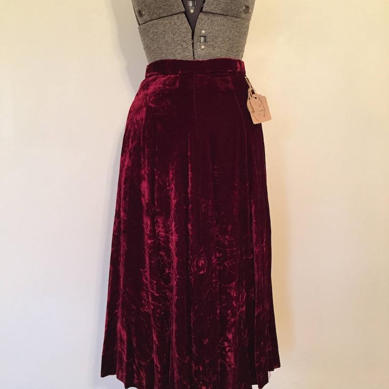 b2f0de821c22 Vintage Crushed Velvet Skirt / 24 Waist / Velvet Swing | Etsy
