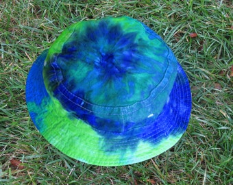Tie-Dye Bucket Hat in Blue and Green