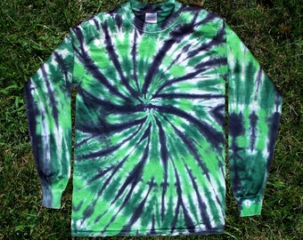 Green and Black Spiral Tie-dye Long-sleeved Tee Shirt