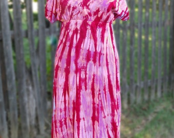 Short-Sleeved Tie-dye Rayon Dress in Wine and Pink