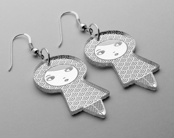 Doll earrings in lasercut acrylic mirror, adorned with traditional Japanese pattern seikaiha - nickel free sterling silver jewelry