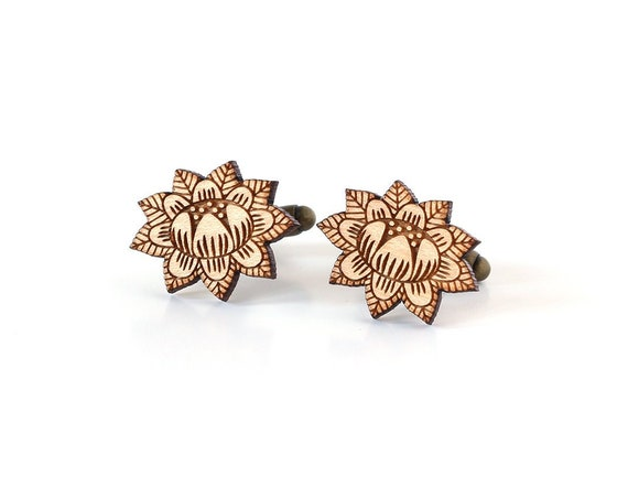 Flower cufflinks - floral cuffs - romantic groom accessory - fall jewellery - autumn wedding - jewelry - lasercut wood - bestman gift
