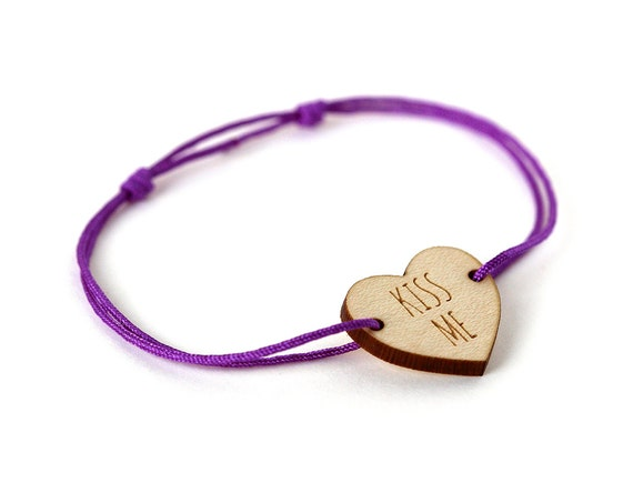 "Heart bracelet with message ""Kiss me"" - Valentine's bangle - wedding jewelry - 25 colors - adjustable bracelet - lasercut maple wood"