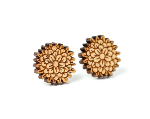 Carnation stud earrings in laser cut wood - dianthus chrysanthemum flower jewelry - florist gift - gardener wedding accessory
