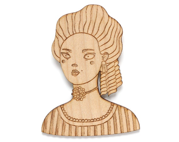 Marchioness brooch in laser cut wood - queen pin - princess jewelry - duchess accessory - countess - lady in period costume