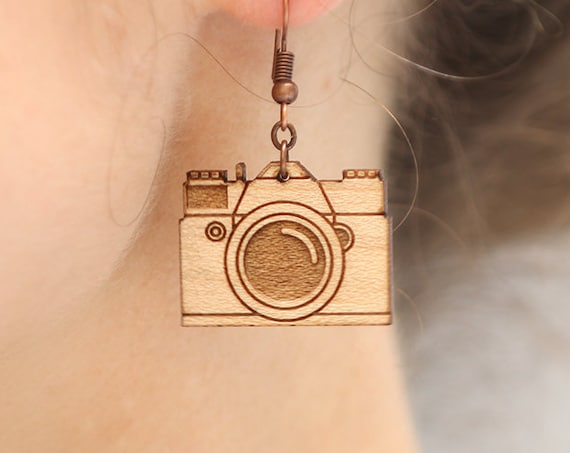 Retro camera dangle earrings made of lasercut wood - gift for photographer jewelry - photography accessory