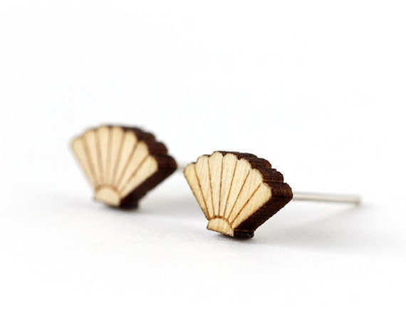Seashell studs - tiny post earrings - nautical jewelry - graphic jewellery - lasercut maple wood - hypoallergenic surgical steel