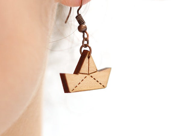 Paper boat dangle earrings in lasercut wood - ship origami jewelry - marine gift for sailor - nautical accessory - ocean lover - sea cruise