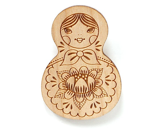 Wooden doll brooch - Matryoshka pin - Mom to be or Mothers Day gift - Russian nesting doll jewelry - baboushka - lasercut wood