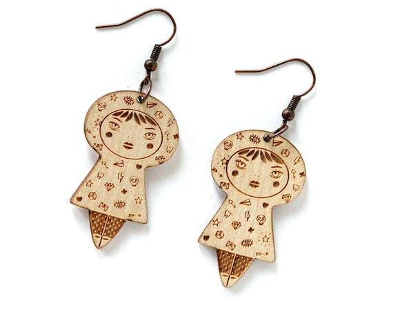Tattooed doll earrings - lasercut maple wood - girl with tattoo earrings - tattoos earrings - kawaii jewelry - cute jewellery - lasercutting