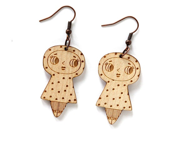 Dolls earrings with dots - lasercut maple wood - dotted graphic character earrings - spotted kawaii jewelry - cute jewellery - lasercutting