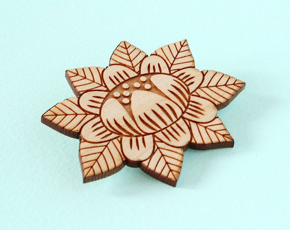 Wooden flower brooch - lasercut wood pin - stylized floral pin - vegetal jewelry - folk jewellery - wood accessory