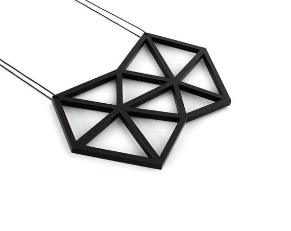 Necklace Mutation 08 - polygon - black - acrylic - geometric statement jewellery - contemporary jewelry - accessory - lasercutting