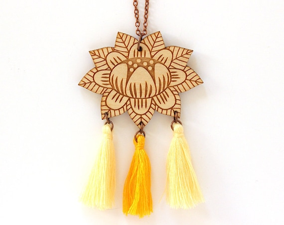 Wooden flower necklace with 3 tassels - yellow - light yellow - lasercut wood pendant - vegetal jewelry - folk jewellery - floral accessory