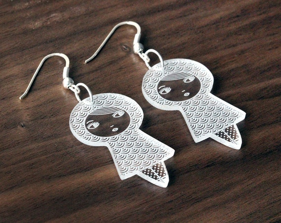 Seikaiha doll earrings - cute matriochka jewelry - kawai kokeshi jewellery - graphic - sterling silver findings - lasercut clear acrylic
