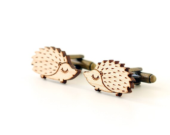 Hedgehog cufflinks made of lasercut wood - cute gift for animal lover - wooden jewelry for boyfriend - wedding accessory for men