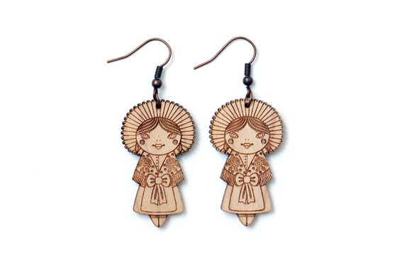 Lasercut wood earrings dolls with folkloric costume from Calais - traditional outfit - dangle earrings - lace and flowers - romantic jewelry