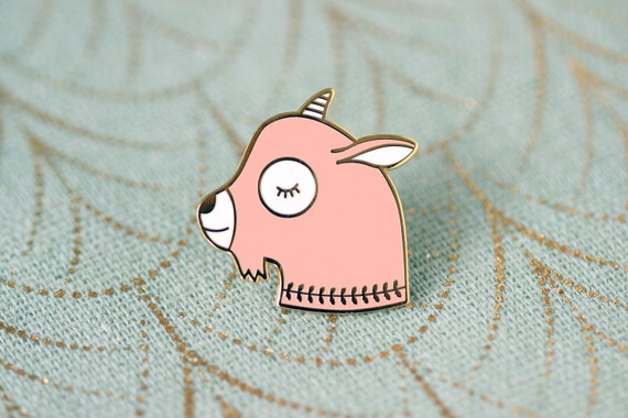 Cute goat pin in gold metal and baby pink imitation hard enamel - adorable animal brooch - kid jewelry - kawaii accessory - friendship gift