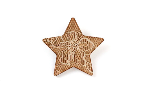 Star-shaped brooch with lace pattern - wedding pin - vintage jewelry - retro jewellery - lasercut maple wood - romantic accessory
