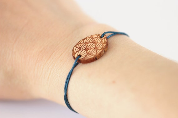 Dragon egg bracelet made of lasercut maple wood adjustable length - 25 colors - fantastic jewelry for fantasy lover - mythology unisex