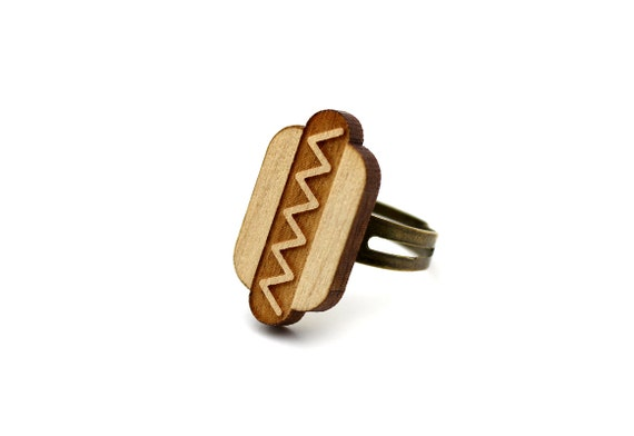 Hotdog ring - fast food ring - lasercut maple wood - graphic food jewelry - graphic kitsch jewellery