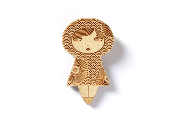Wooden doll brooch with flowers - seikaiha Japanese pattern - kokeshi pin - matriochka jewelry - russian doll jewellery - lasercut wood