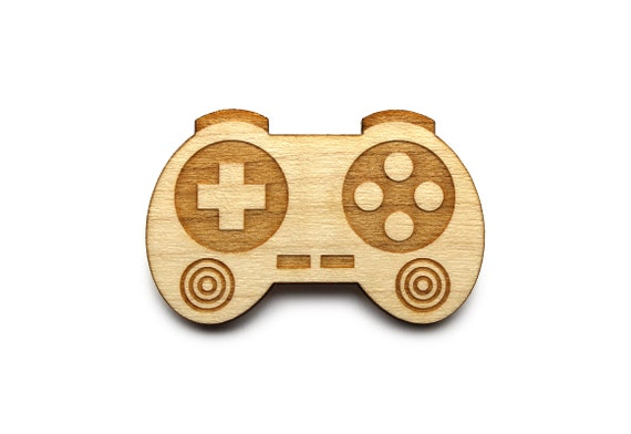 Controller brooch - video game pin - joystick brooch - geek accessory - lasercut maple wood - wood jewellery - graphic nerd jewelry
