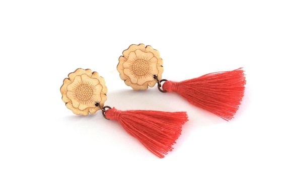 Flower stud earrings in lasercut wood with tassel - 36 colors - statement botanical jewelry - floral fall autumn accessory
