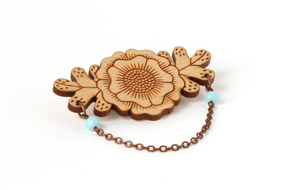 Flower brooch in lasercut wood with chain and faceted glass beads - floral pin - fall accessory - autumn gift - jewellery - Botanica