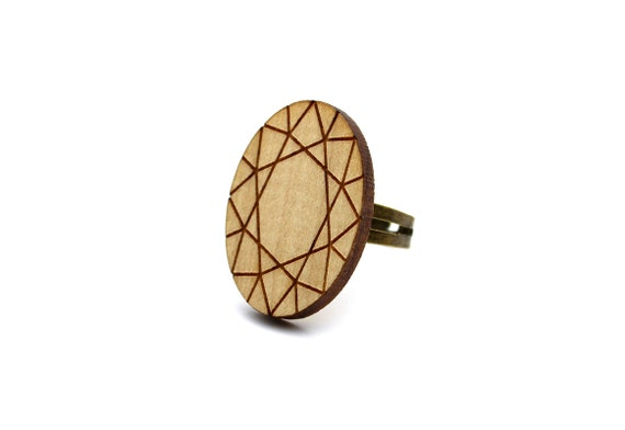 Oval diamond ring - trompe l'oeil - fake precious stone - statement ring - lasercut maple wood - graphic jewelry