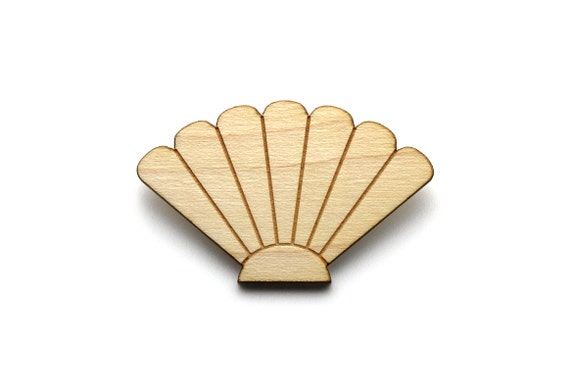 Seashell brooch - scallop pin - shell - nautical jewelry - beach jewellery - lasercut maple wood - holidays graphic jewelry