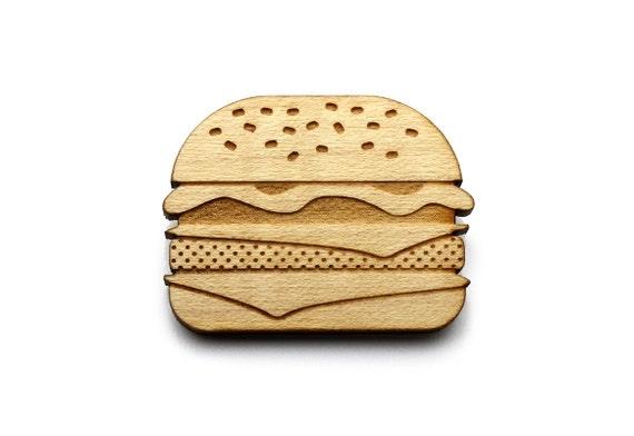 Burger brooch - hamburger pin - cheeseburger jewelry - lasercut maple wood - graphic retro kitsch jewellery